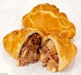 Wrights Giant Cornish Pasty